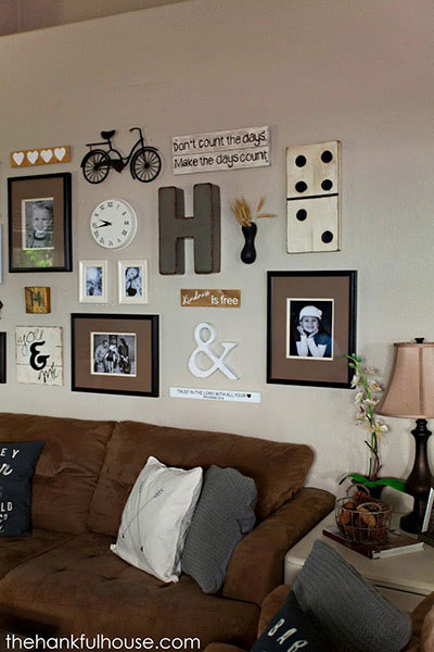 For A Rustic Gallery Wall Try Using Vintage Decorations Like An Antique Bike And Distressed Signs That Say Your Favorite Quotes