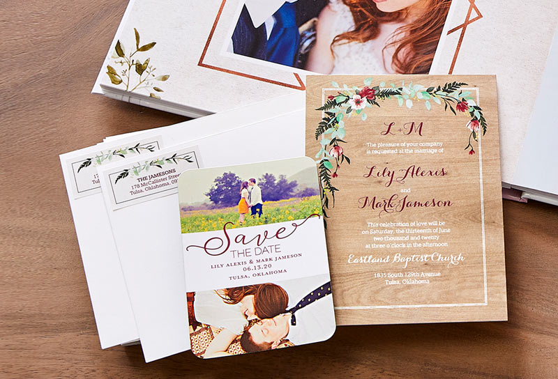 How to Design Your Own Custom Wedding Invitations